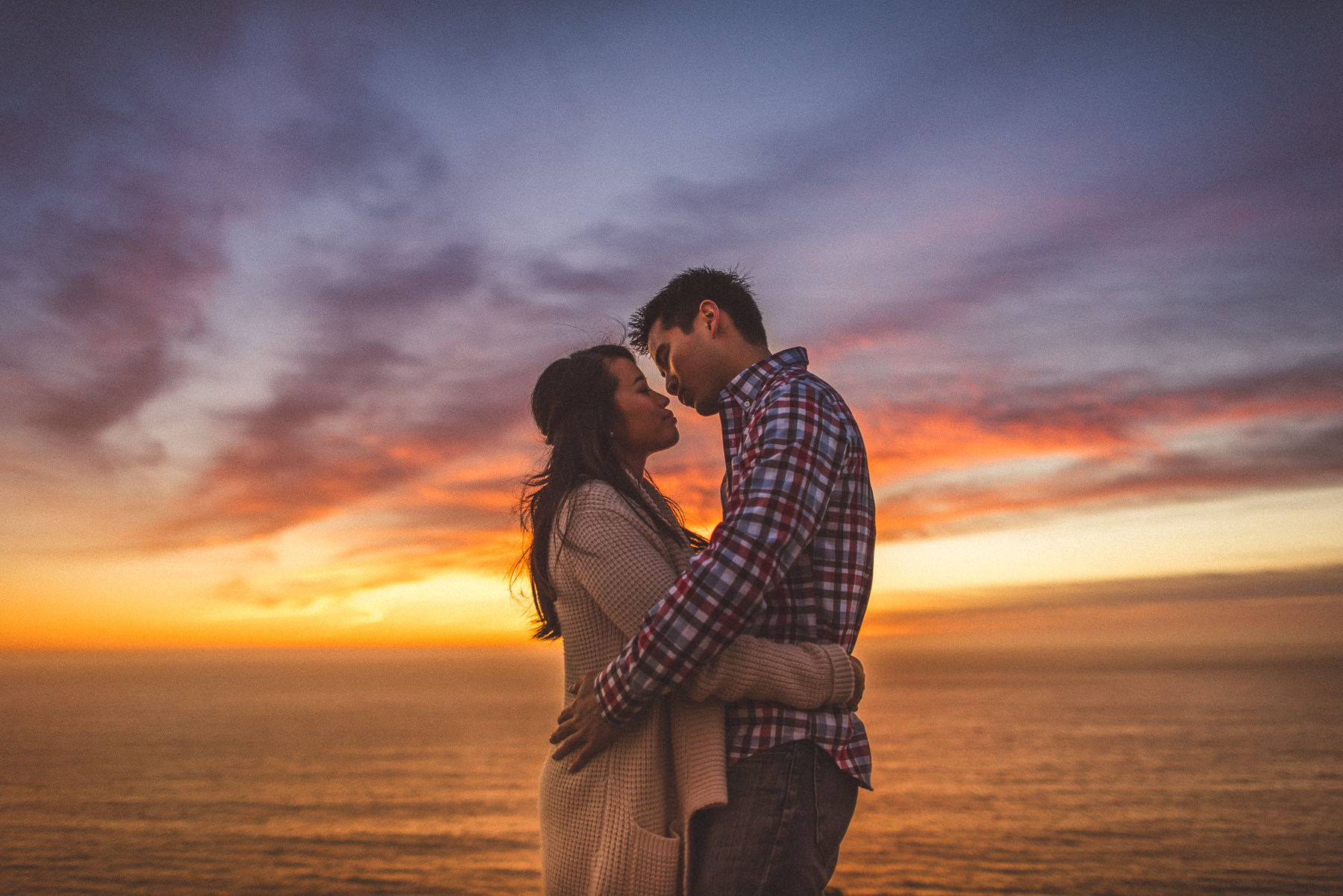 engagement photos at sunset